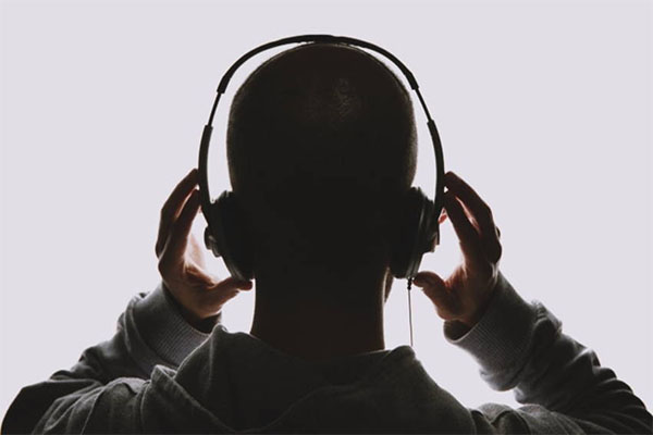 Sound Beaming อุปกรณ์ฟังเพลงแบบใหม่ ฟังเพลงคนเดียวได้โดยไม่ต้องใส่หูฟัง gadgetมาใหม่ อัพเดทโลกไซเบอร์ SoundBeaming