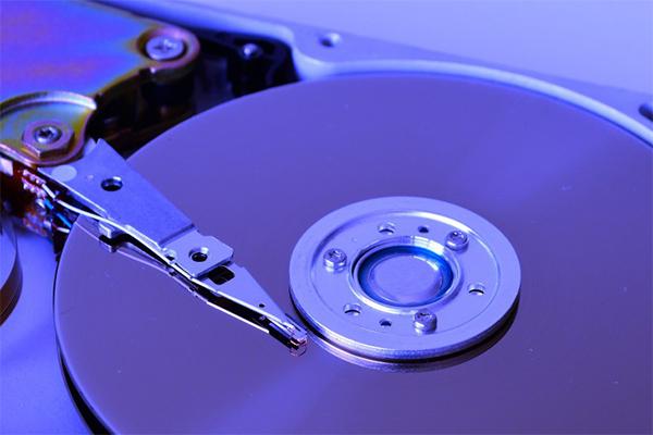 น่ารู้!! ความแตกต่างของความเร็วในการเขียนอ่านและถ่ายโอนข้อมูลของ Hard Disk HDD กับ SSD gadgetมาใหม่ อัพเดทโลกไซเบอร์ HardDiskHDDกับSSD