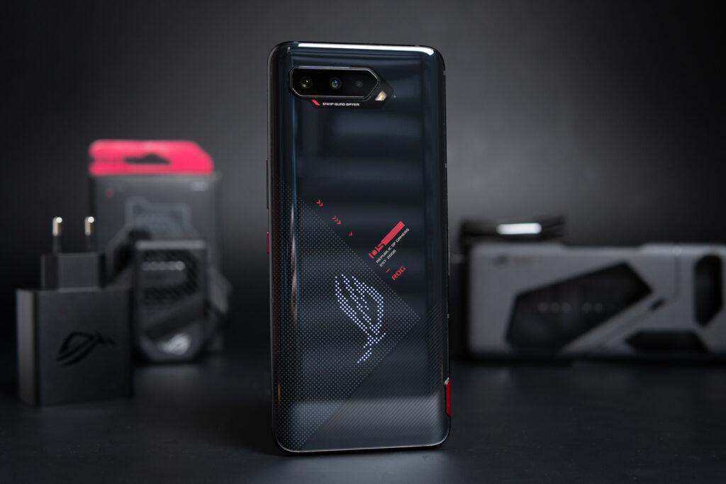 ROG Phone 5 Series โทรศัพท์มือถือที่ออกแบบมาเพื่อคนเล่นเกมโดยเฉพาะ gadgetมาใหม่ อัพเดทโลกไซเบอร์ ROGPhone5Series