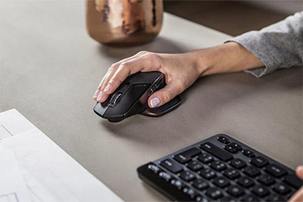 อุปกรณ์ไอทีที่ต้องมีติดบ้านไว้เมื่อต้อง Work from home gadgetมาใหม่ อัพเดทโลกไซเบอร์ อุปกรณ์ไอทีที่ควรมี